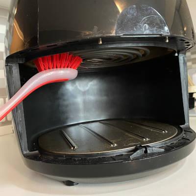 come pulire la resistenza della friggitrice ad aria calda